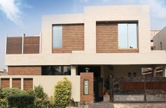 1 KANAL NEWLY BUILT FACING PARK CORNER HOUSE , A BLOCK